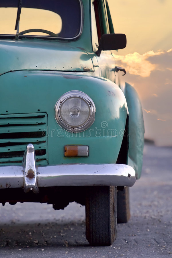 Carros antigos velhos foto de stock royalty free