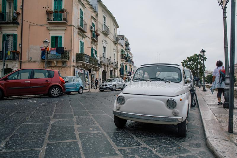 Carros Bari Apulia em Itália imagens de stock