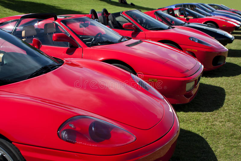 Carros de esportes estrangeiros exóticos fotos de stock