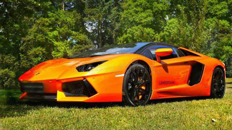 Carros de esportes, Super-carros, Lamborghini Aventador imagens de stock