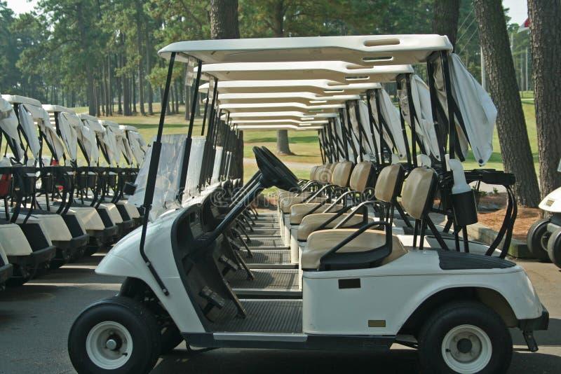 Carros de golfe foto de stock royalty free