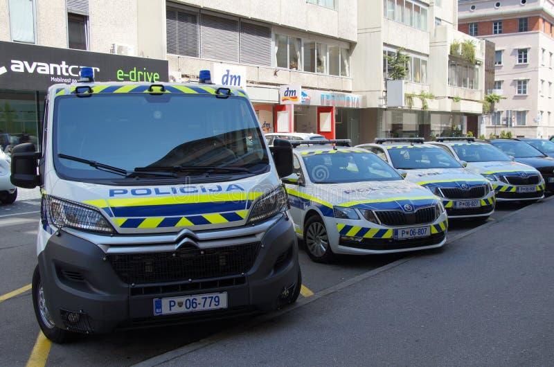 Carros de polícia nacional eslovenos imagens de stock
