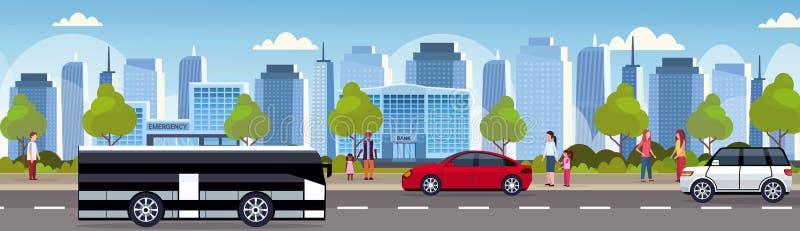 Carros e ônibus do passageiro que conduz do panorama urbano da cidade da estrada asfaltada o plano alto da skyline do fundo da a ilustração royalty free