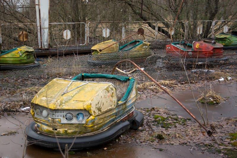 Carros inoperantes na cidade de Pripyat. fotos de stock royalty free
