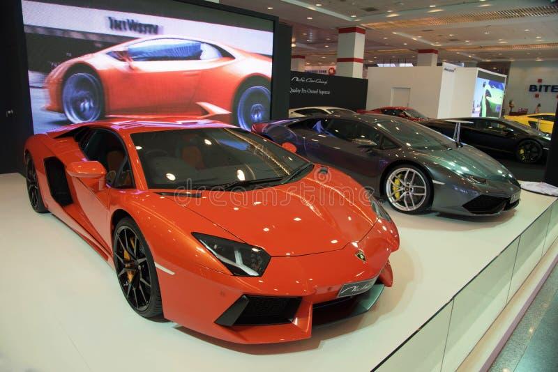 Carros luxuosos de Lamborghini na exposição fotografia de stock royalty free