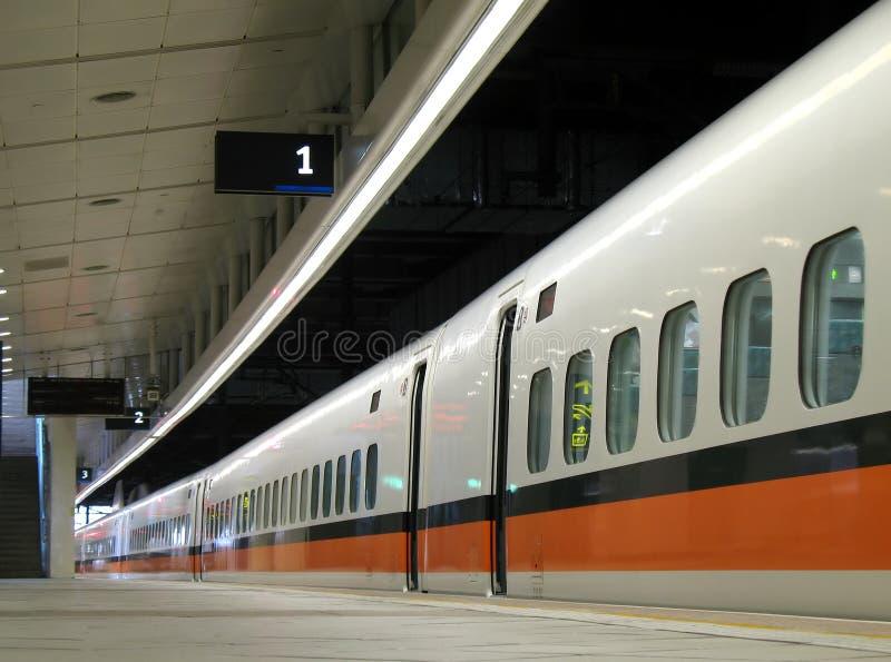 Carros modernos do trem em fotografia de stock royalty free
