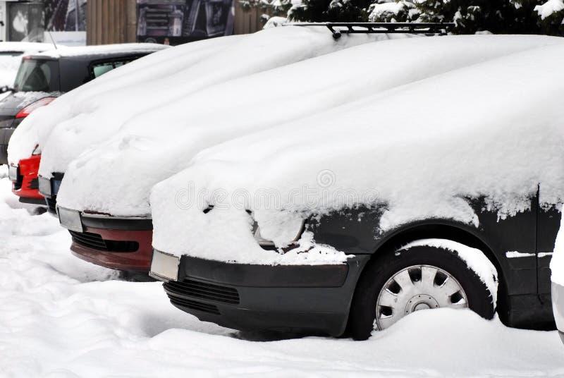Carros na neve imagem de stock
