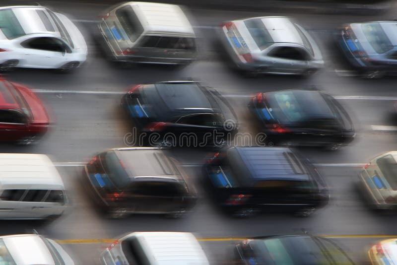Carros no asfalto foto de stock royalty free