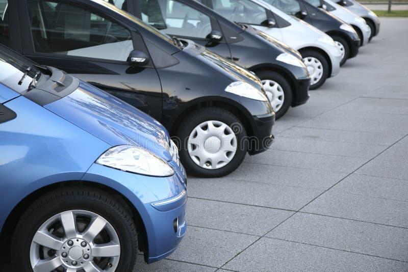 Carros no estacionamento fotografia de stock