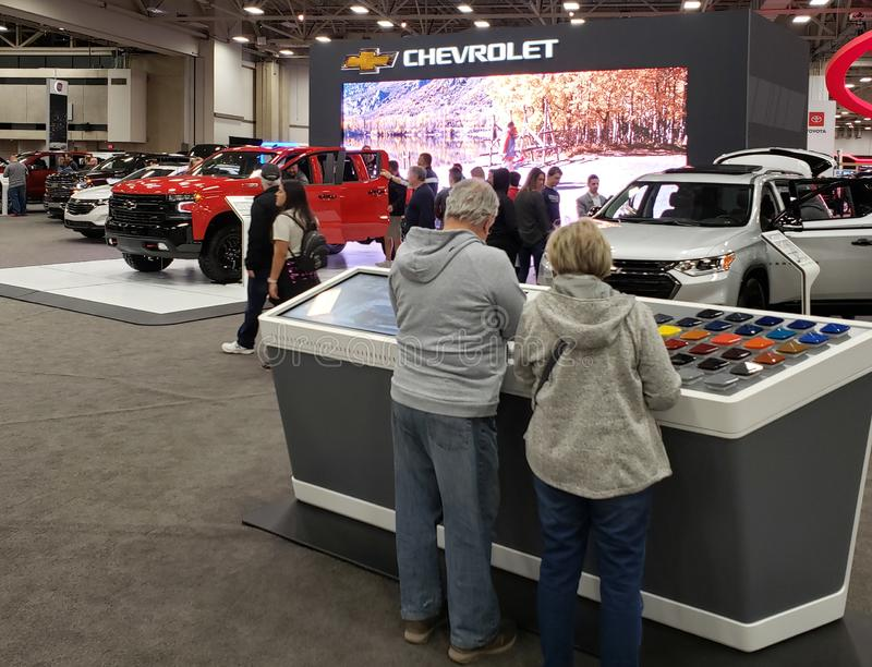 Carros novos de CHEVROLET na feira automóvel Dallas TX EUA 2019 de DFW fotos de stock