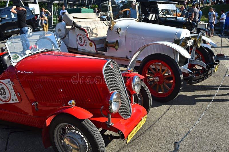 Carros retros em Lviv imagem de stock royalty free