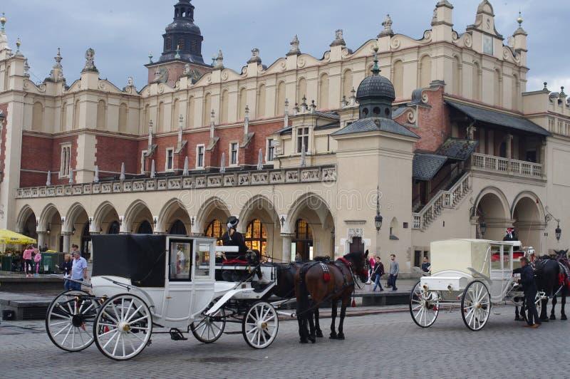 Carros traídos por caballo antiguos imágenes de archivo libres de regalías