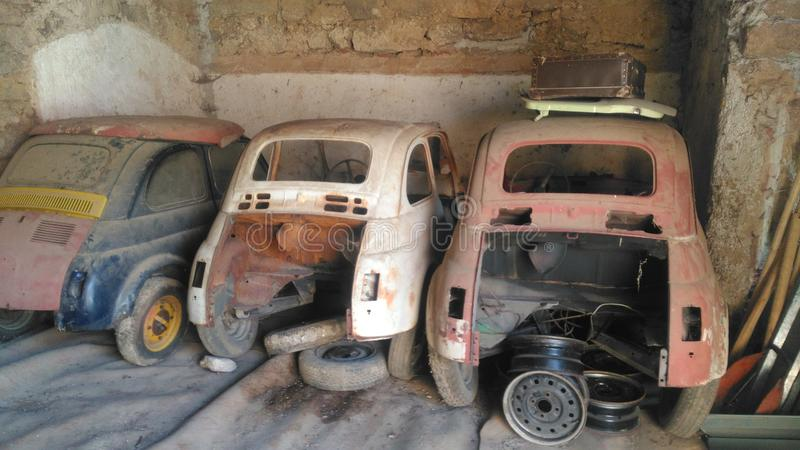 3 carros tristes fotos de stock