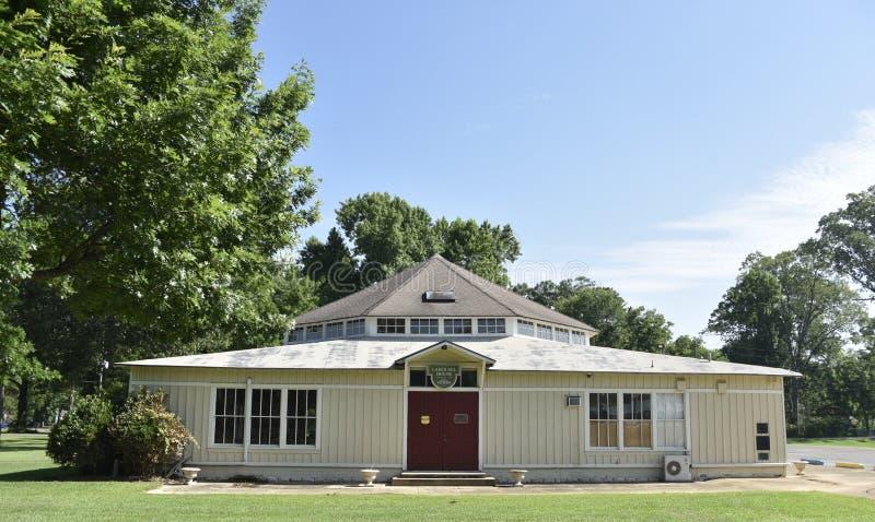 Carrossel de Dentzel em Highland Park, meridiano, Mississippi imagem de stock
