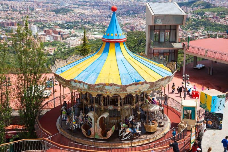 Carrossel no parque de diversões de Tibidabo em Barcelona, Espanha imagens de stock