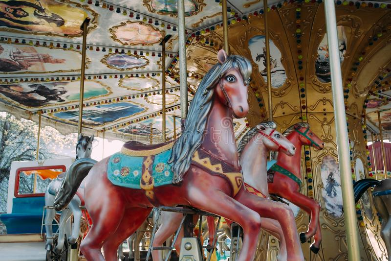 Carrousel avec des chevaux en Luna Park photos libres de droits