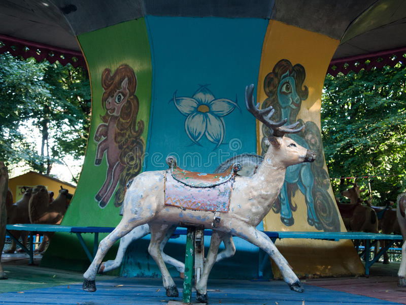 Carrousel d'animaux images libres de droits