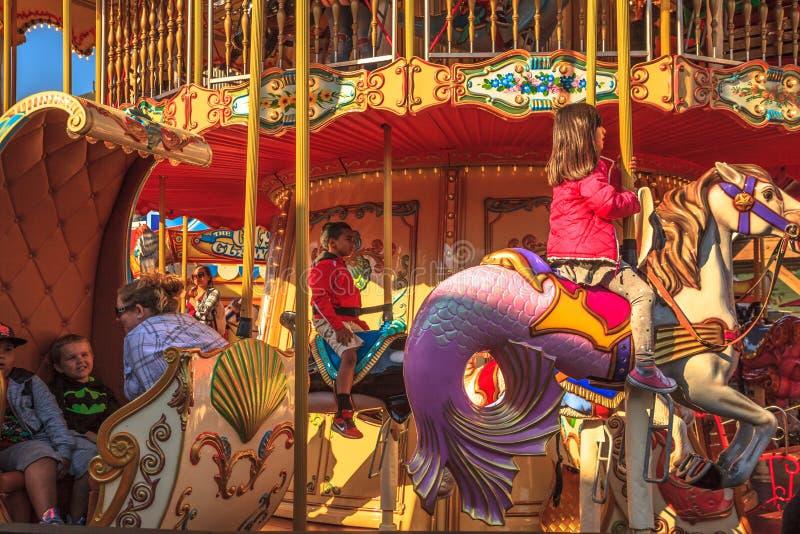 Carrousel d'enfants drôle photographie stock libre de droits