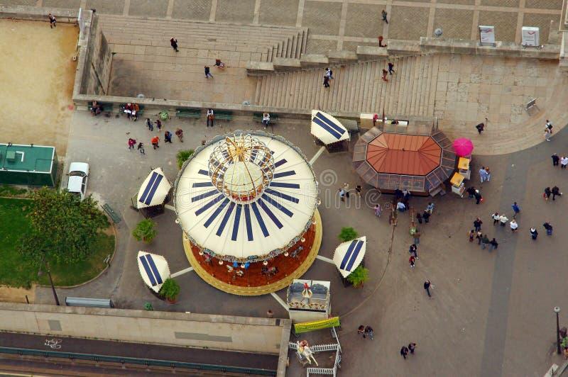 Carrousel de rue dans la ville de Paris, France Photo prise de Tour Eiffel photographie stock