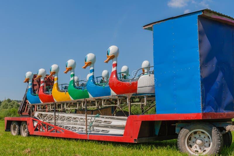 Carrousel de transporteur images stock