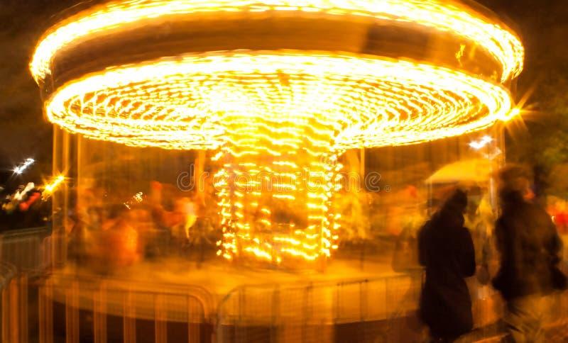 Carrousel la nuit photographie stock