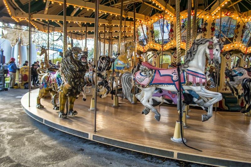 Carrusel del parque de atracciones de Ronde del La imagen de archivo