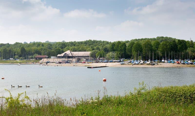 Carsington woda, popularny turystyczny miejsce przeznaczenia obraz royalty free