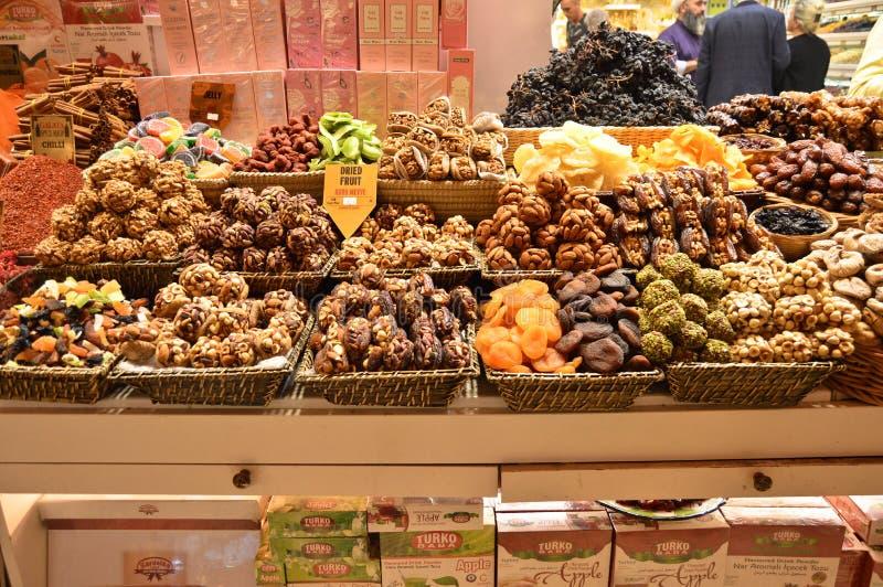 Carsisigedroogd fruit en noten van Istanboel Turkije misir royalty-vrije stock fotografie