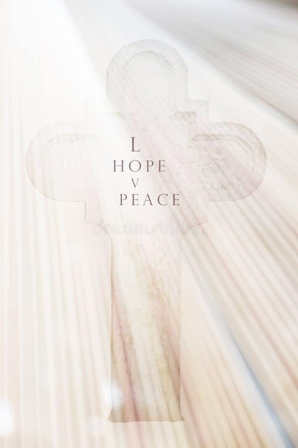 Cartão branco do funeral da cruz e da esperança foto de stock