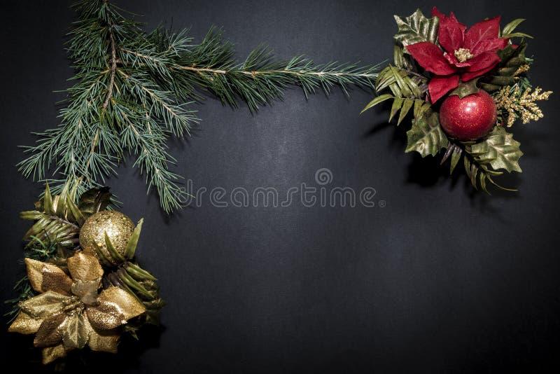 Cartão com Feliz Natal do partido da decoração e ano novo feliz imagem de stock royalty free
