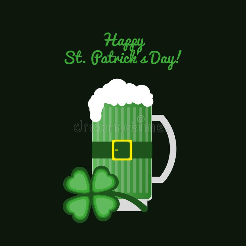 Cartão com o dia do St Patrick feliz do texto! Cerveja inglesa da caneca com trevo em um fundo escuro ilustração stock