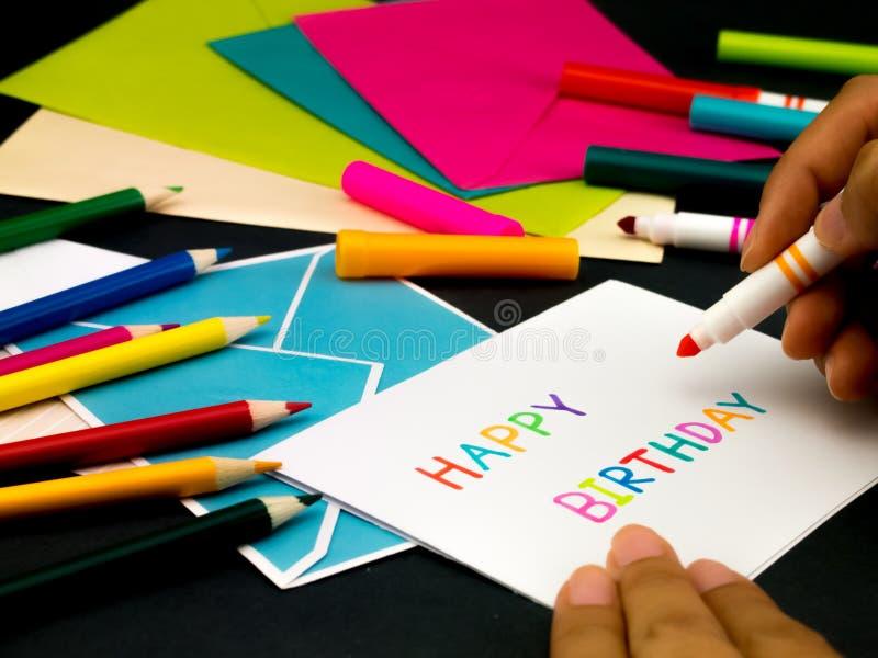Cartão da mensagem para seus família e amigos; Feliz aniversario imagem de stock royalty free