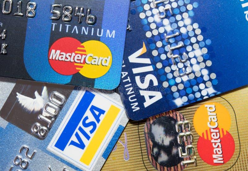 Cartão de crédito ascendente mais próximo imagem de stock