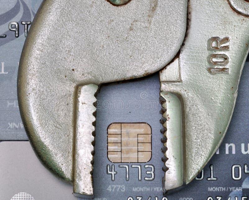Cartão de crédito com ferramenta, reparo do crédito ou conceito do reparo do crédito fotografia de stock