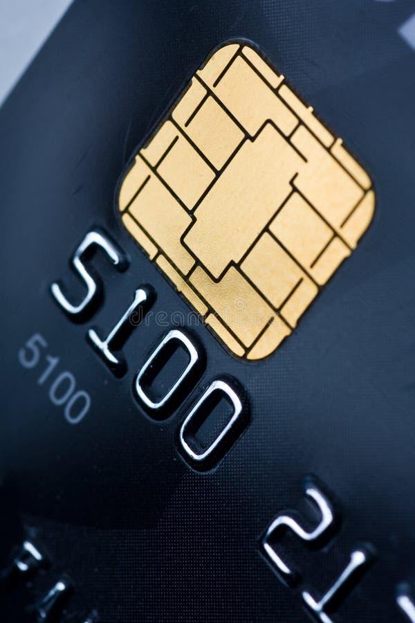 Cartão de crédito com microplaqueta do ouro fotografia de stock royalty free