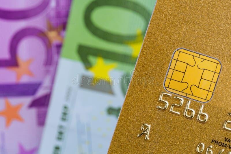 Cartão de crédito e euro- cédulas fotos de stock royalty free