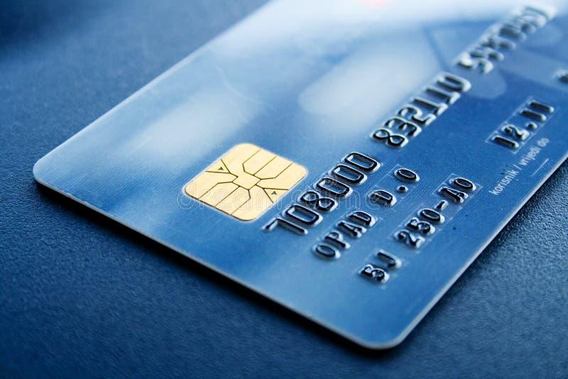Cartão de crédito fresco azul fotos de stock royalty free