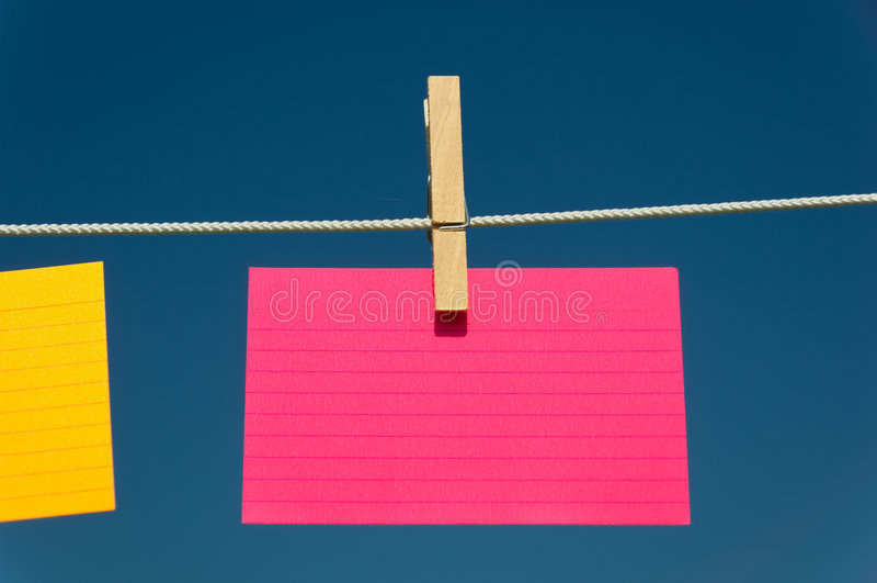 Cartão de deslocamento predeterminado cor-de-rosa em branco imagem de stock