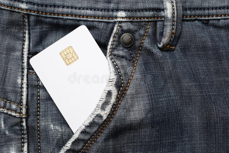 Cartão de microplaqueta no bolso imagens de stock royalty free