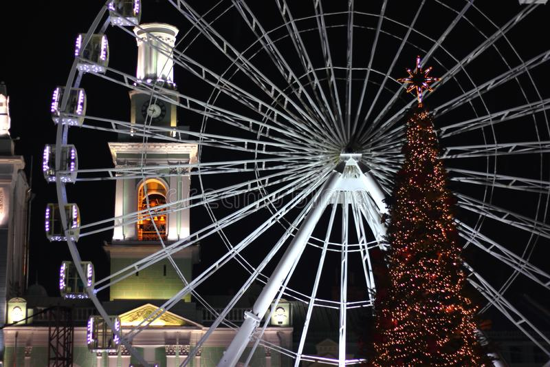 Cartão de Natal na iluminação da cidade de Kiev fotografia de stock