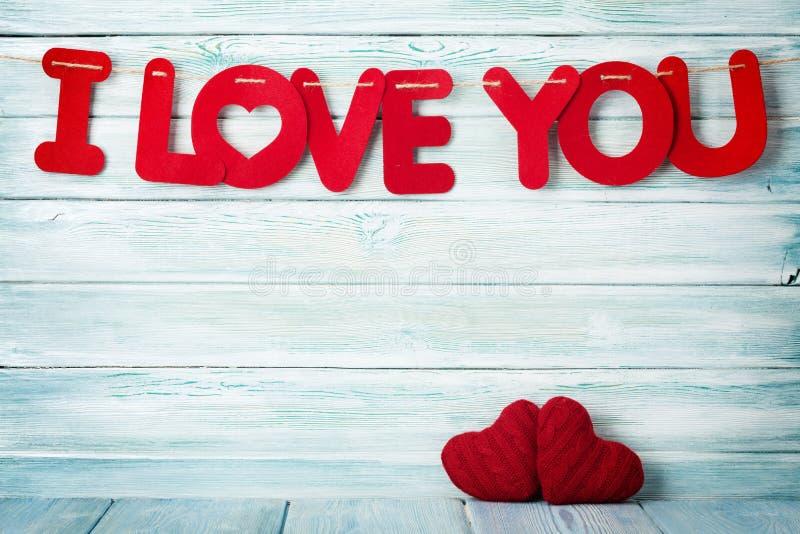 Cartão do dia de Valentim com eu te amo palavras foto de stock