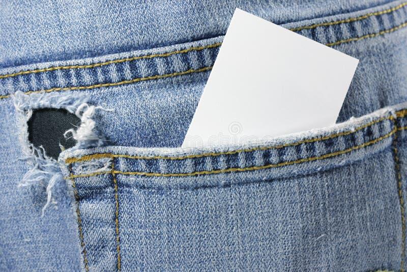 Cartão em branco no bolso traseiro foto de stock royalty free