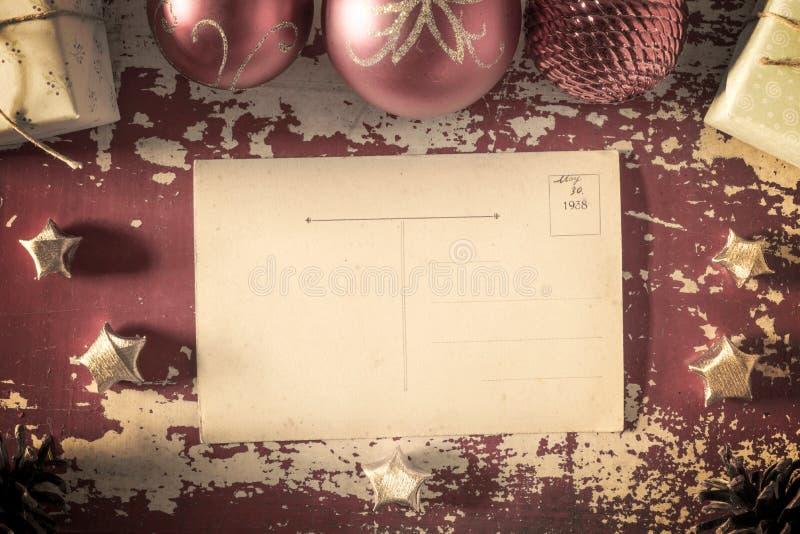 Cartão retro do vintage do Feliz Natal imagens de stock royalty free