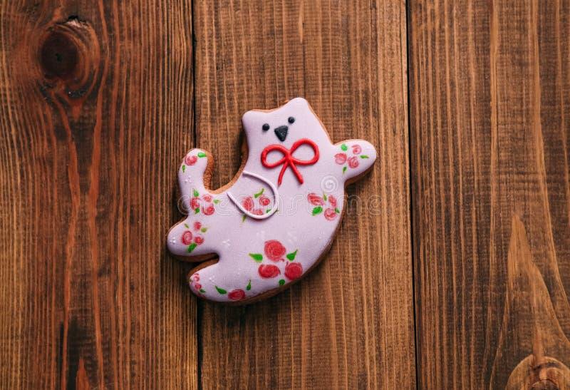 Cartão tirado do voo das cookies dos desenhos animados gato brilhante doce fotografia de stock royalty free