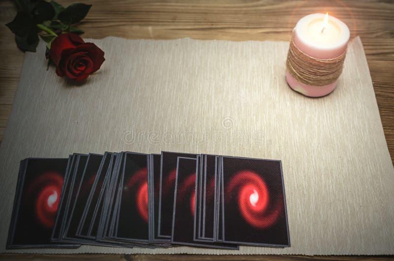 Cartões de Tarot Caixa de fortuna divination imagens de stock