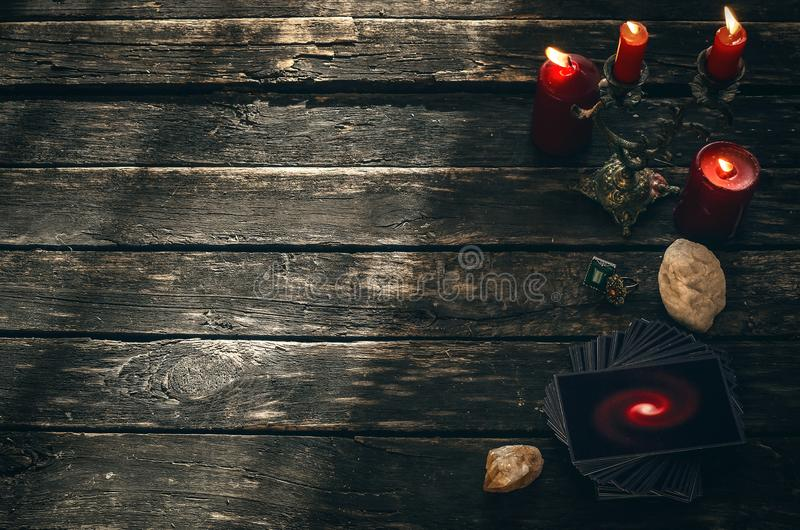 Cartões de Tarot Conceito futuro da leitura divination fotos de stock royalty free