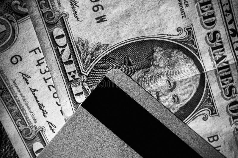 Cartões e dólares de crédito no dinheiro foto de stock royalty free