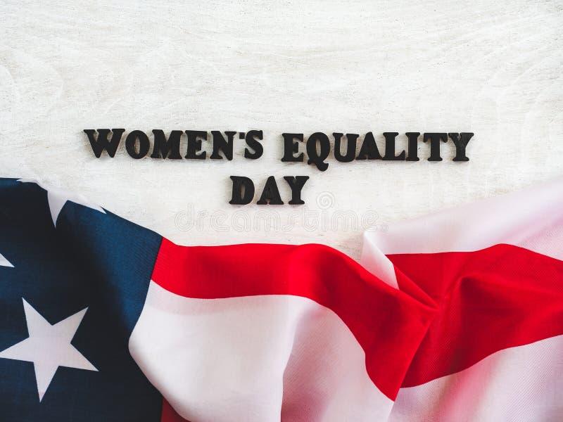 Cart?o bonito para o dia da igualdade das mulheres Close-up fotos de stock royalty free