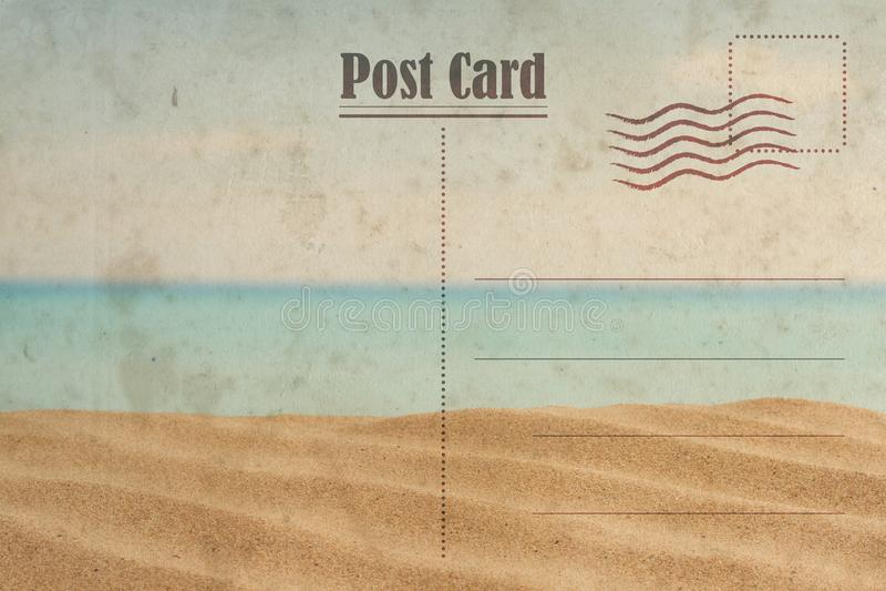 Cart?o do ver?o do vintage Oceano e praia ensolarada imagem de stock
