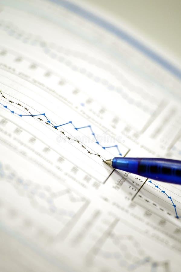 Carta común e informe financiero imagenes de archivo